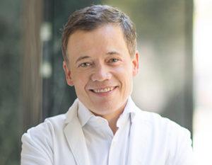 """<a href=""""https://www.praxisklinik-kaiserplatz.de/prof-dr-med-dennis-von-heimburg/"""">Prof. Dr. med. <br />Dennis von Heimburg</a>"""